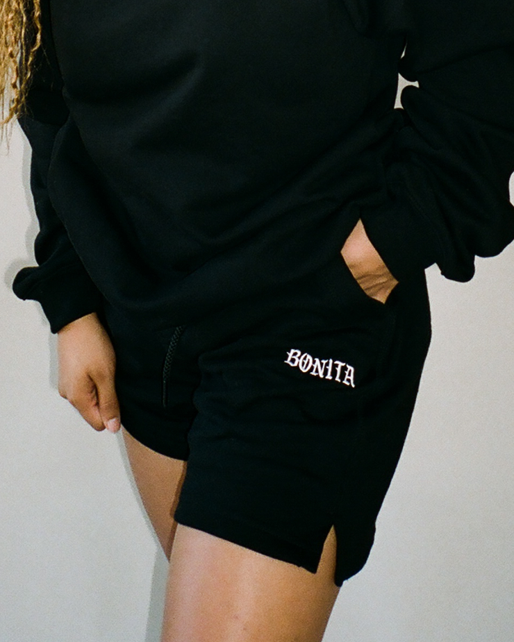 BLACK BONITA SWEATSHORT