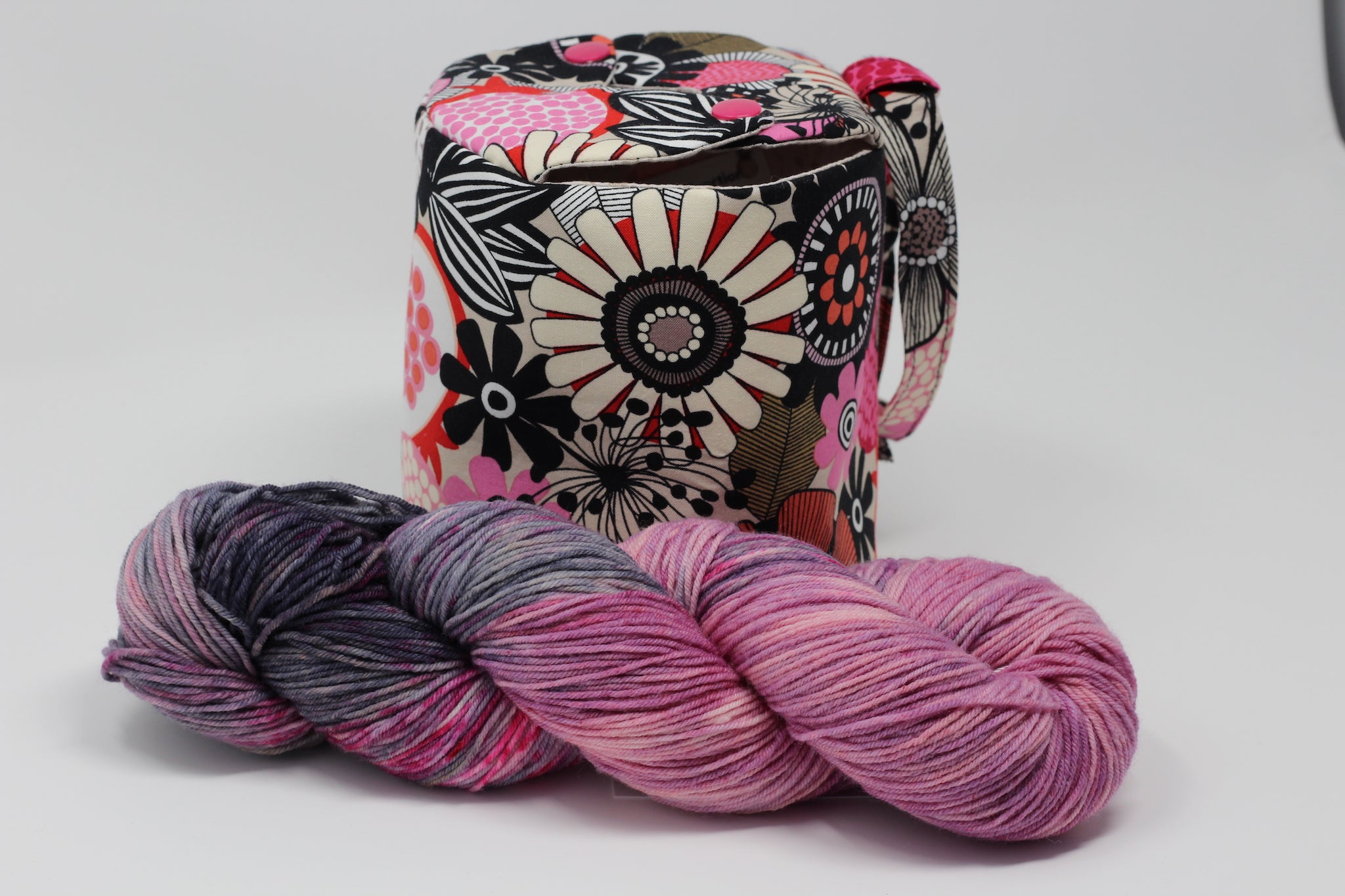 Pomegranate Sock Project Bag with Yarn