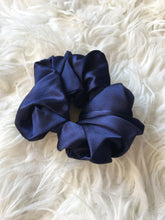 Load image into Gallery viewer, Pure Silk Scrunchie - Various colours