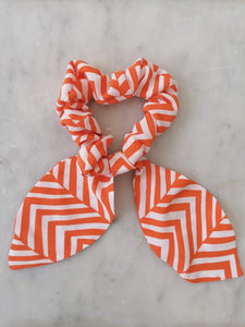 Bow Scrunchie - Orange Arrows