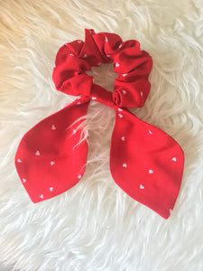 Bow Scrunchie - Red Hearts