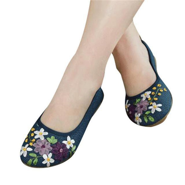 Comfortable Cute Flower Flats Slip On Cotton Fabric Casual Shoes Tajori