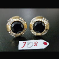 Dazzling Earstuds with Black Stone in Golden Tone Tajori