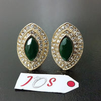 Delicate Earstuds with Green Stone in Golden Tone Tajori
