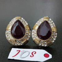 Delicate Earstuds with Maroon Stone in Golden Tone Tajori