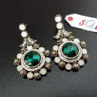 Fashion Antique Zircon Earring with Center Green Stone Tajori