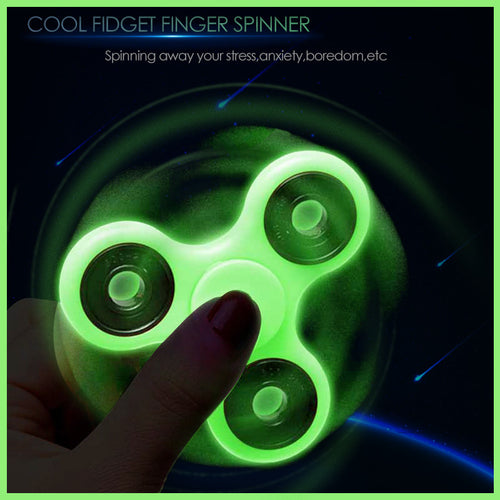 FIDGET TRI-SPINNER - GLOW IN THE DARK!