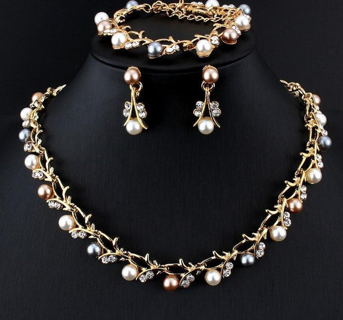 Elegant Pearl Jewelry Set
