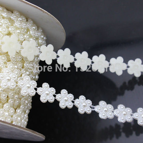 White Imitation Flower Pearl Beads