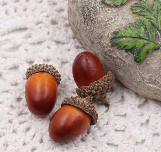 Artificial Acorns Decoration