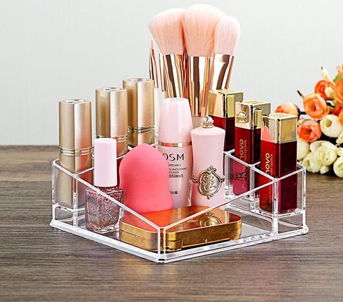 Transparent Make-Up Box