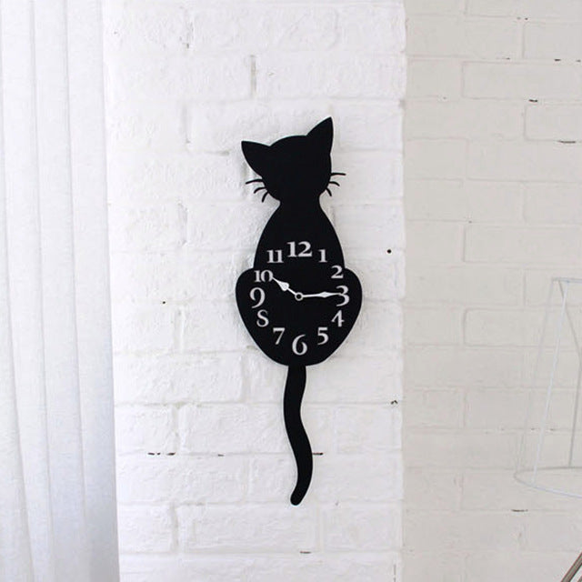 Cat with Wagging Tail Clock