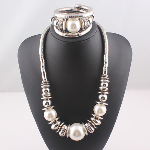 Pearl and Silver Jewelry Set