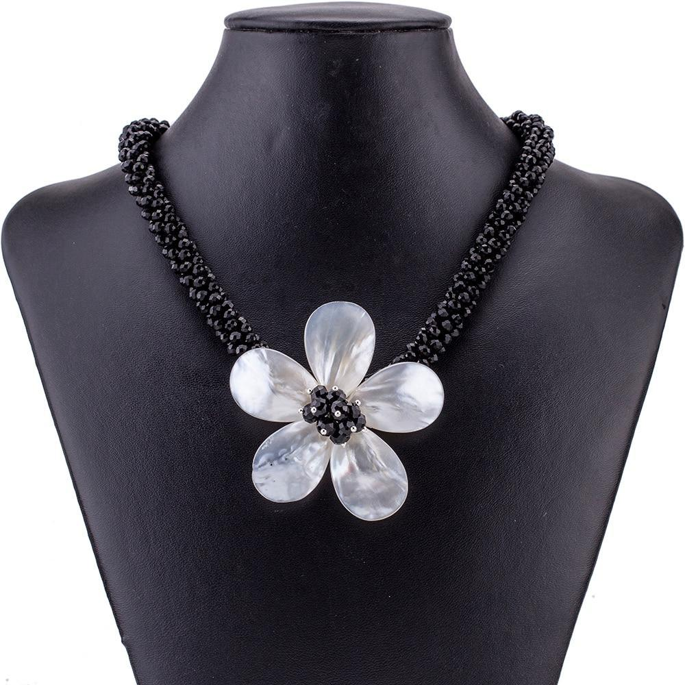 Daisy Dust Necklace