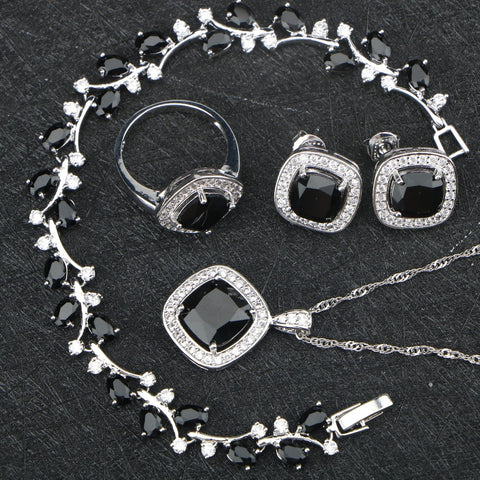 Vintage Black Bead Jewelry Set