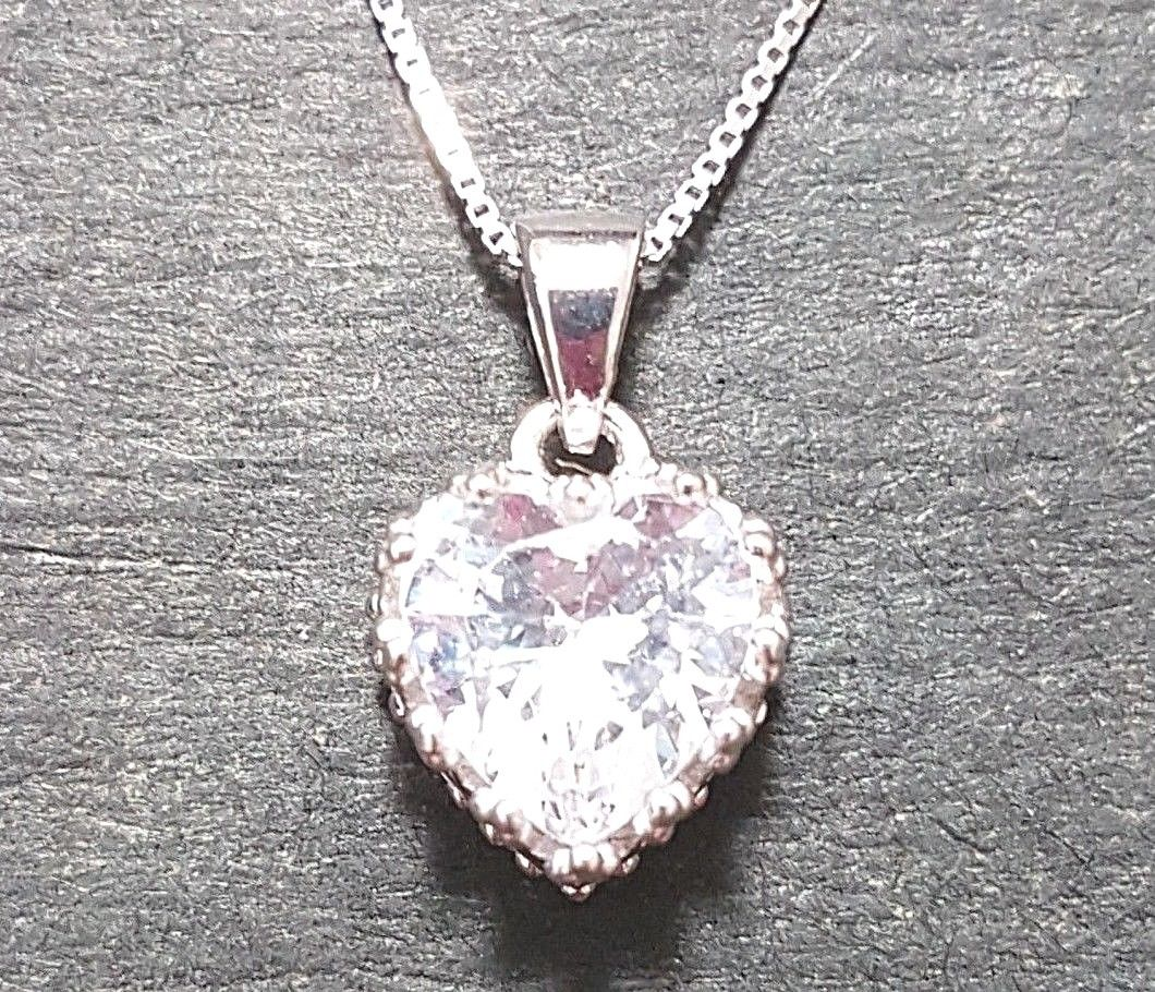 New 14k White Gold On 925 Queen Heart Crown CZ Pendant Charm with Free Chain