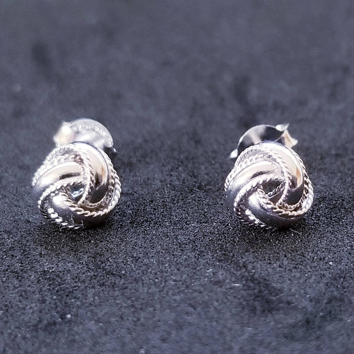 New 14K White Gold on 925 Sterling Silver Cute Unique Knot Earrings