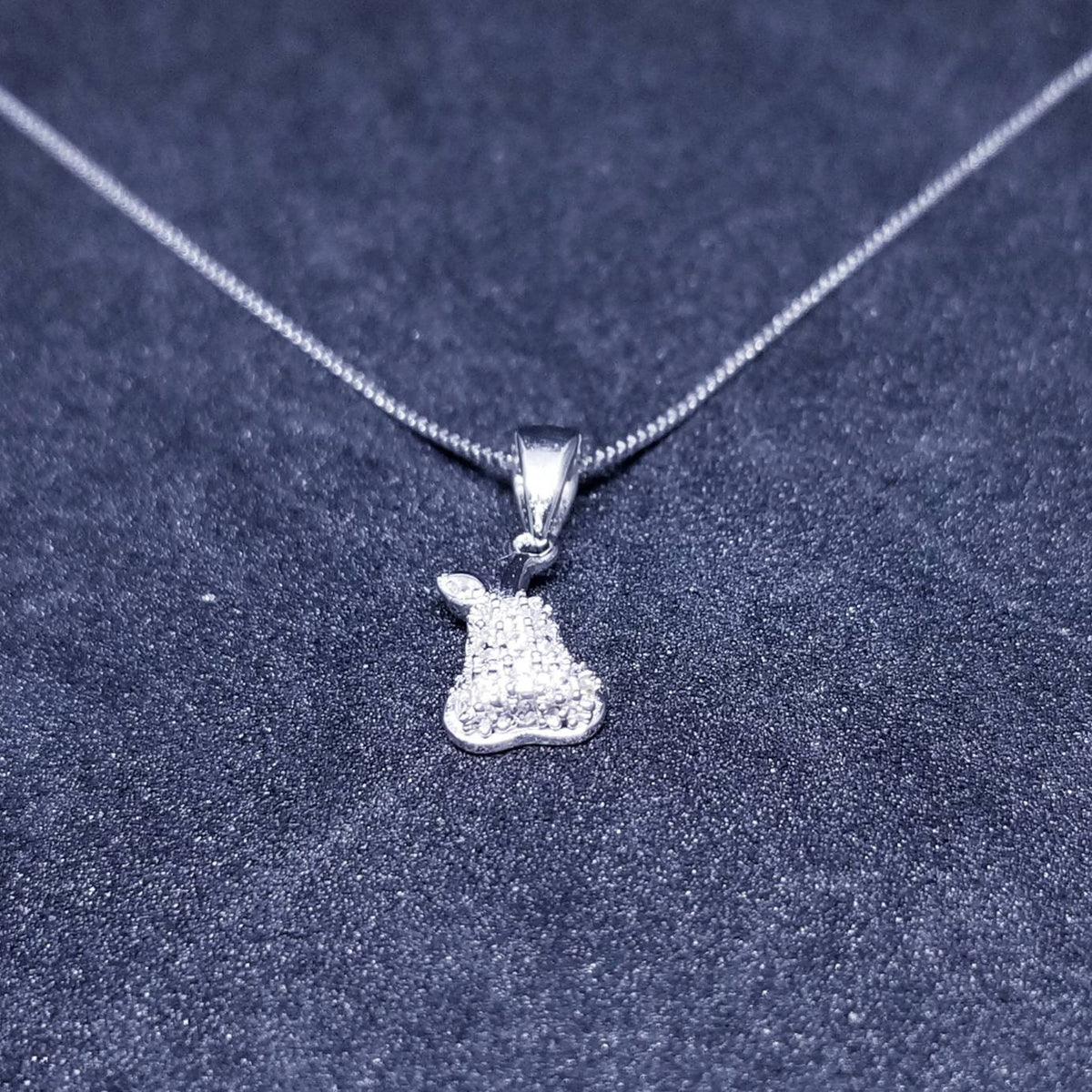 New 14k White Gold On 925 Sterling Silver Small Cute Pear with One Leaf CZ Stones Pendant Free Chain