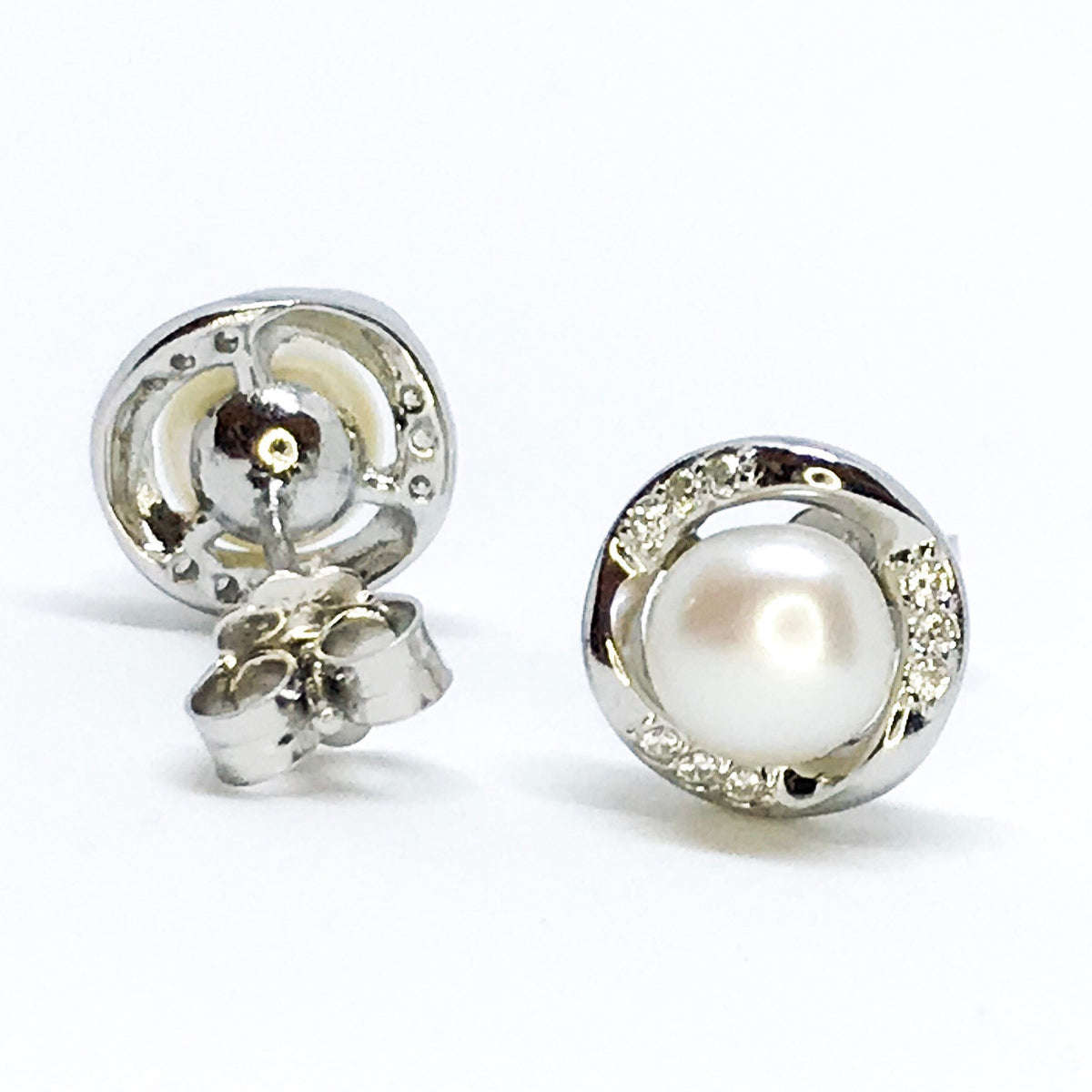NEW 14k White Gold Layered on Sterling Silver Classy Pearl Earrings