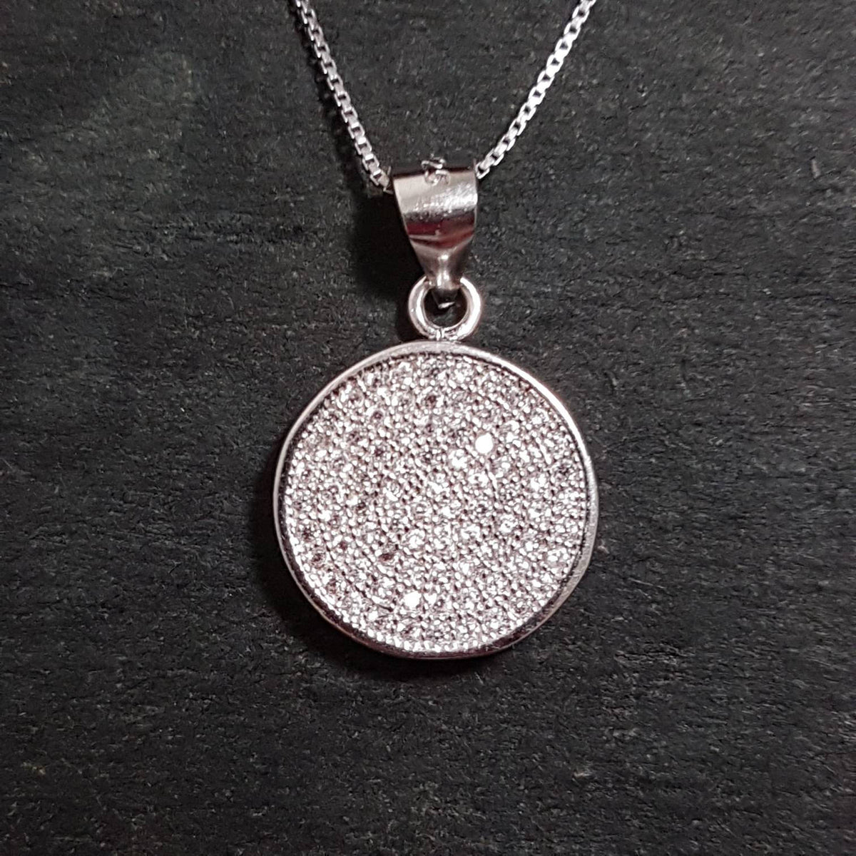 New 14k White Gold On 925 Must Have Circle Charm Pendant