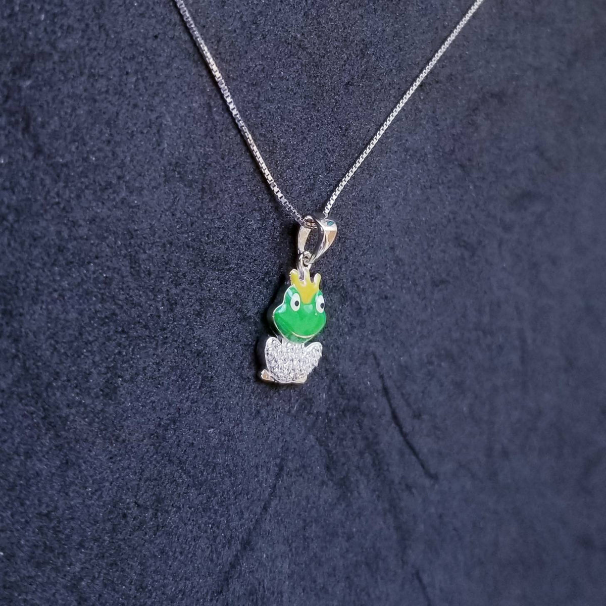 New 14k White Gold On 925 Sterling Silver Cute Prince Frog CZ Pendant Free Chain