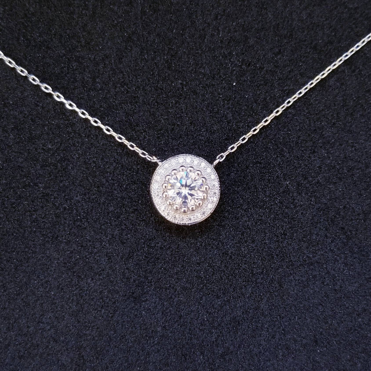 New 14k White Gold On 925 Sterling Silver Circular Crown CZ Stones Pendant