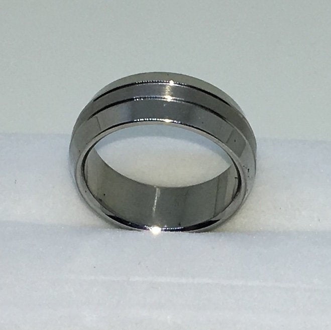 7 . 8mm Size 7 . 75 Brand New White Gold Plated with Bulgy Center Line on Stainless Steel ring band