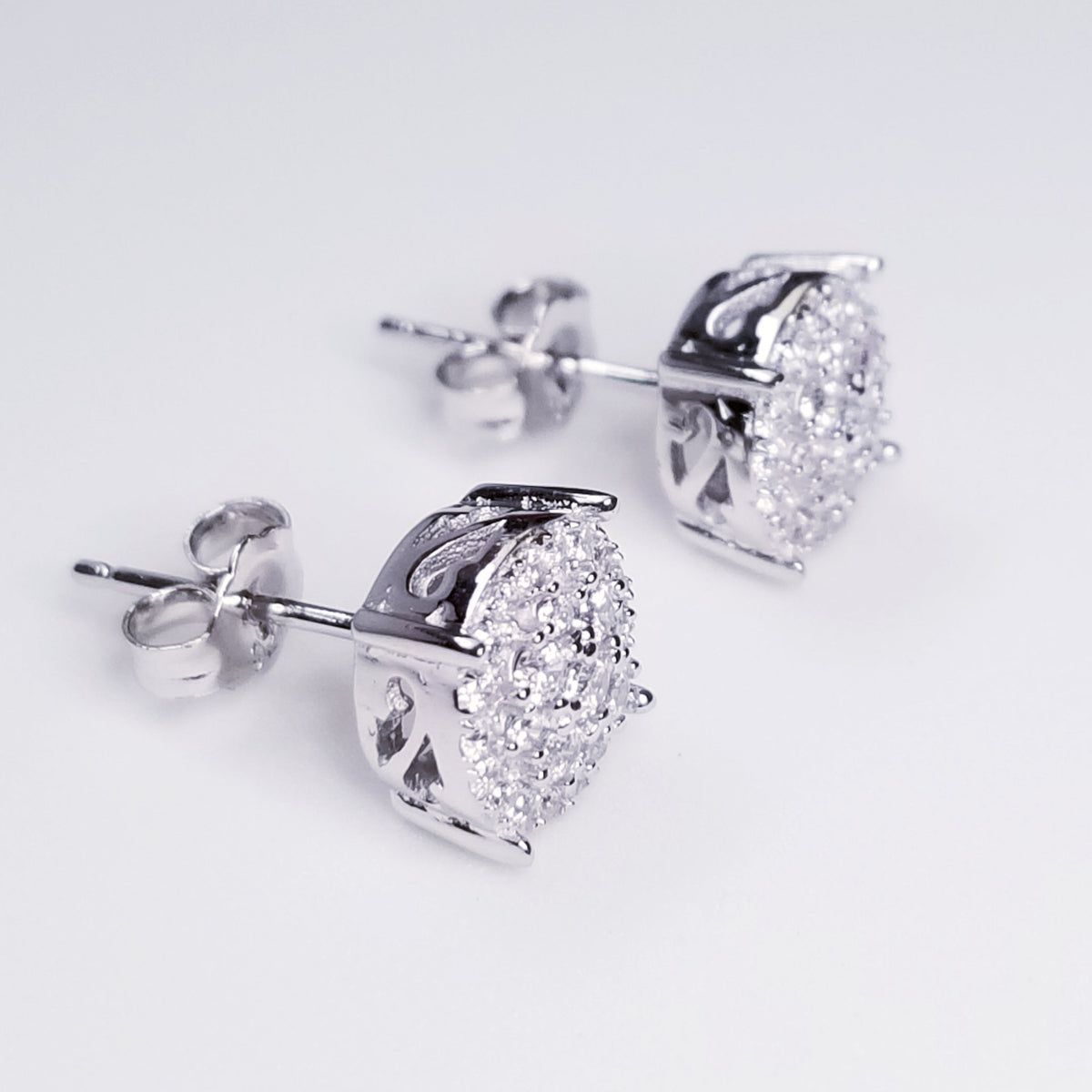 NEW 14K White Gold on 925 Round Floral Earrings