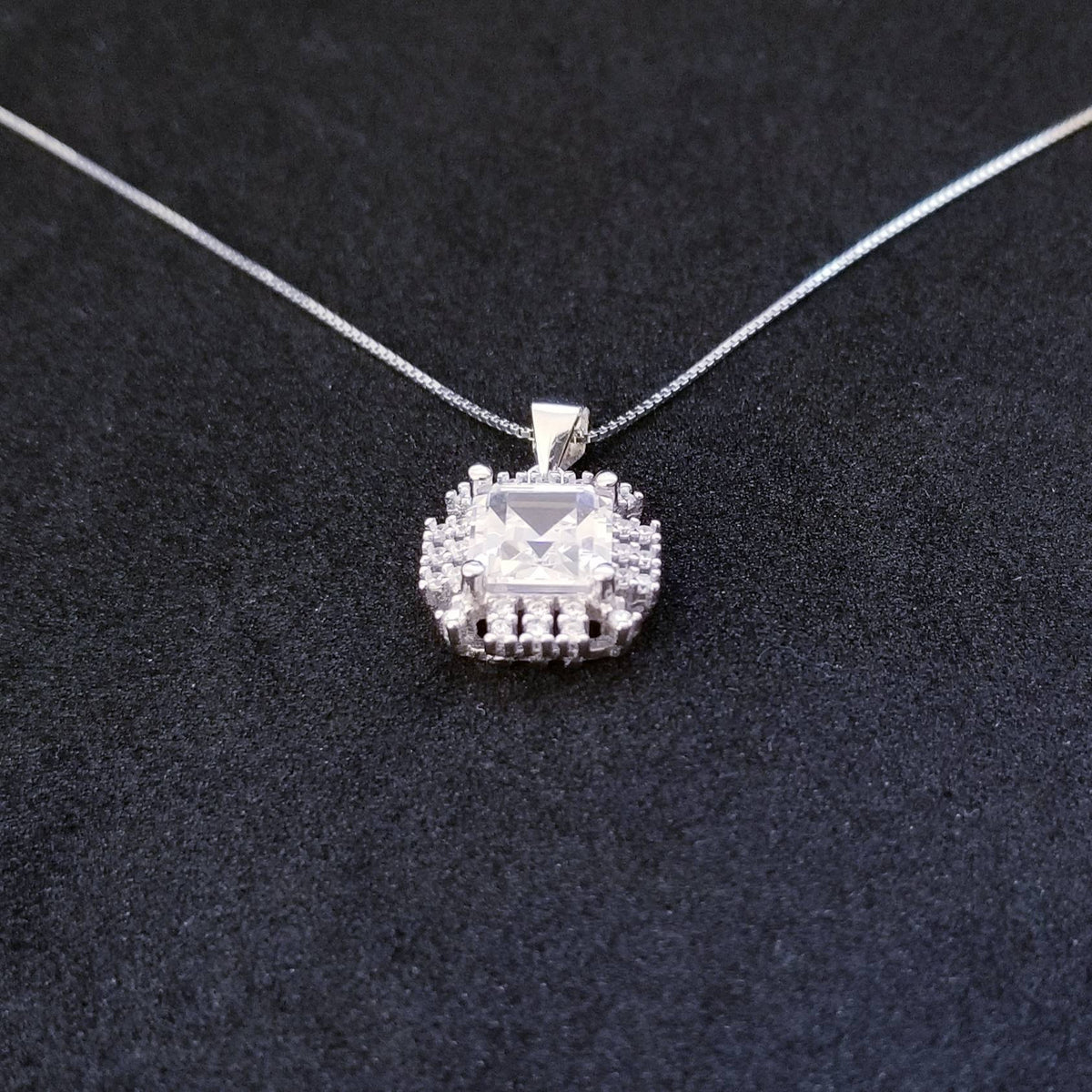 New 14k White Gold On 925 Sterling Silver Gorgeous Square Shaped CZ Stones Pendant Free Chain