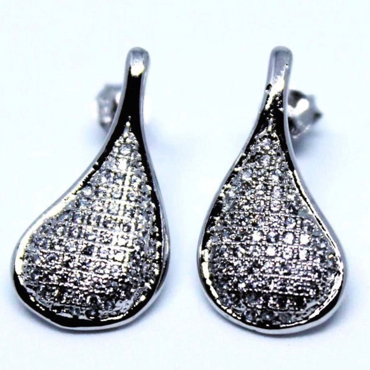 Stylish Sterling Silver Dangling Teardrop Earrings