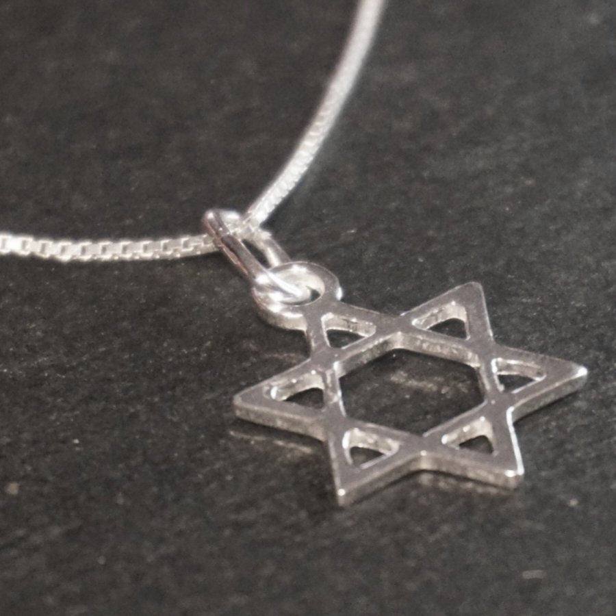 New Handcrafted 925 Sterling Silver Small Jewish Star of David Pendant (14.3 mm)