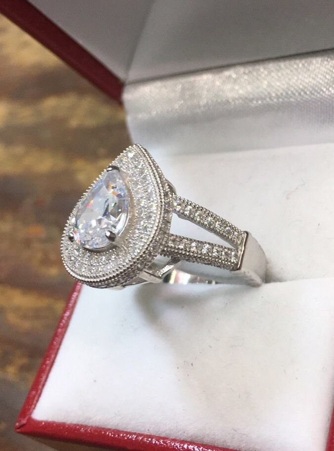 New Royal Dazzy Exclusive 4.0ct Pear Cubic Zirconia Engagement Wedding ring S-7