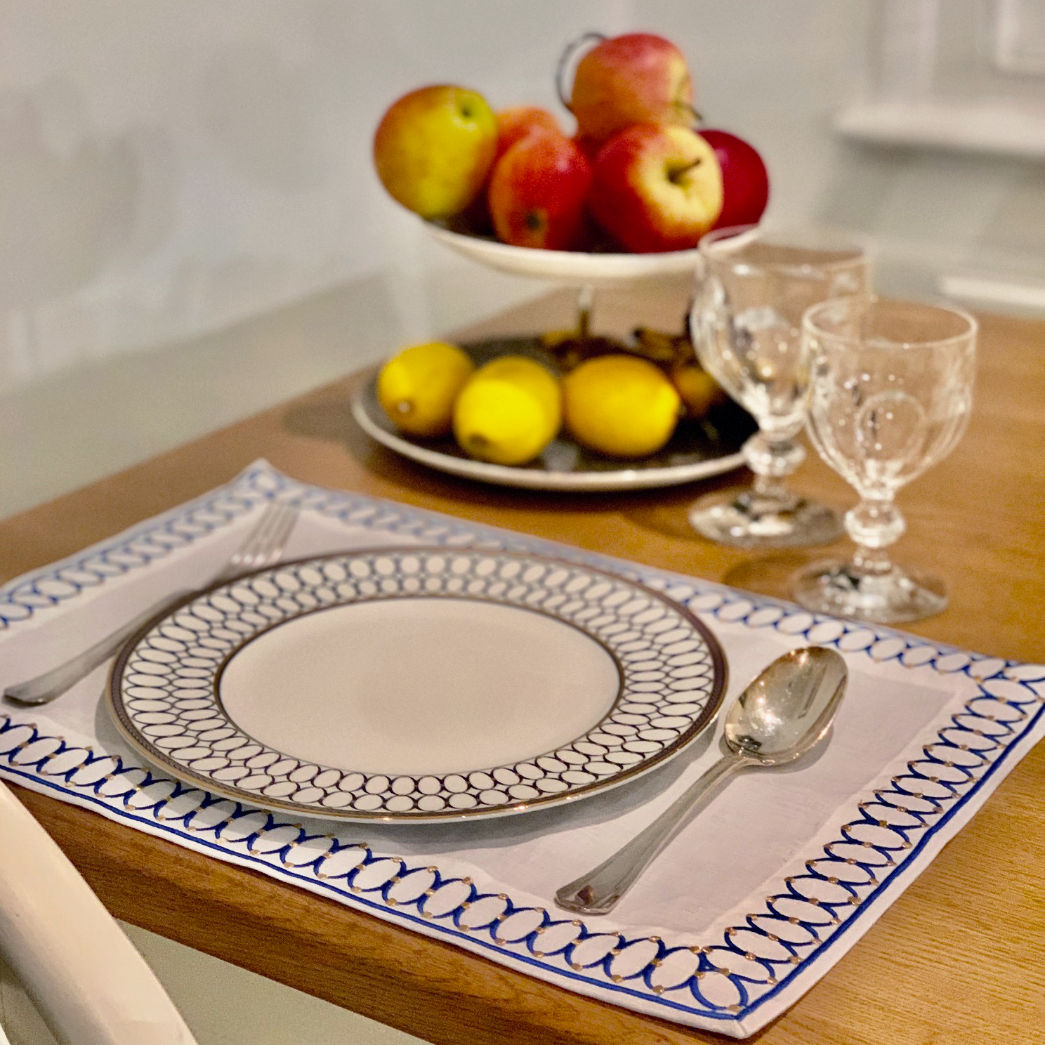 Ovals Table Set