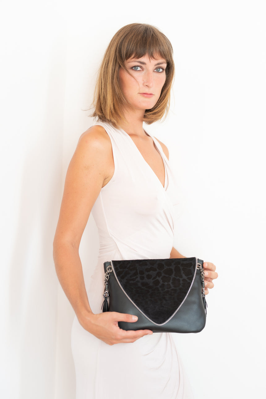 Handmade black leather V bag Linda Ibiza