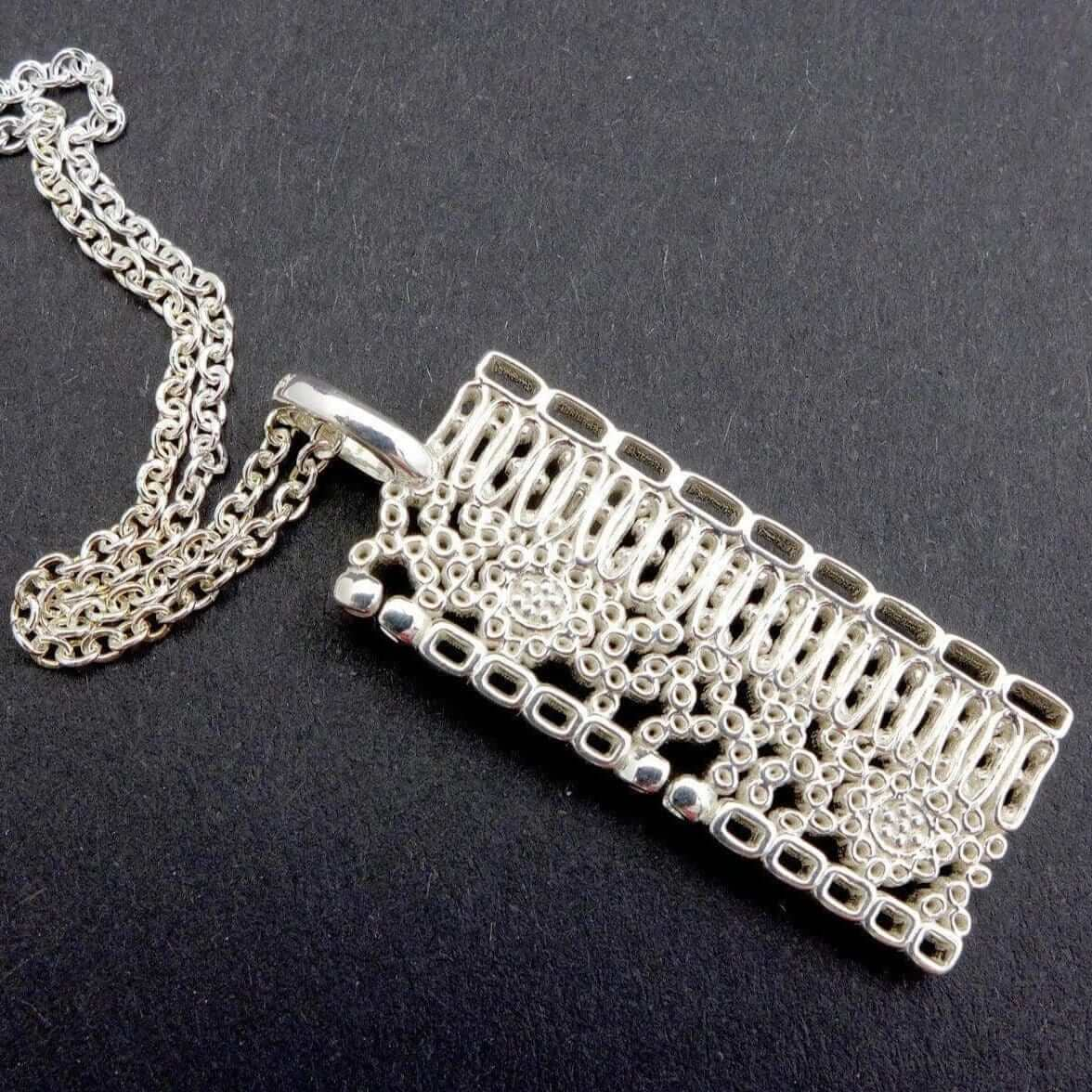 Dicot Leaf Anatomy Pendant in silver