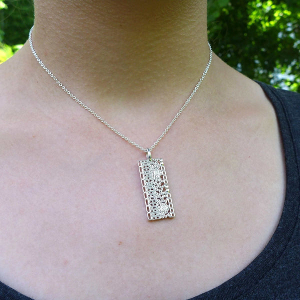Science Jewelry: Dicot leaf anatomy pendant in silver, modeled