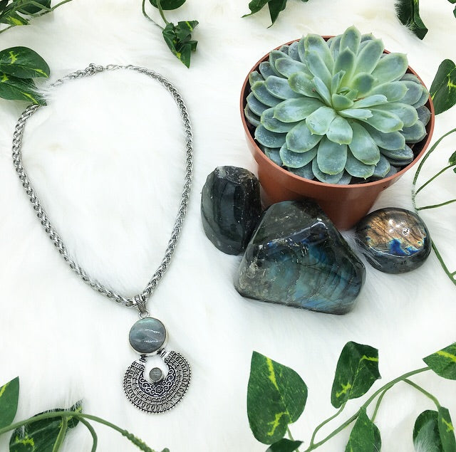 Droplet of Dreams Labradorite Necklace