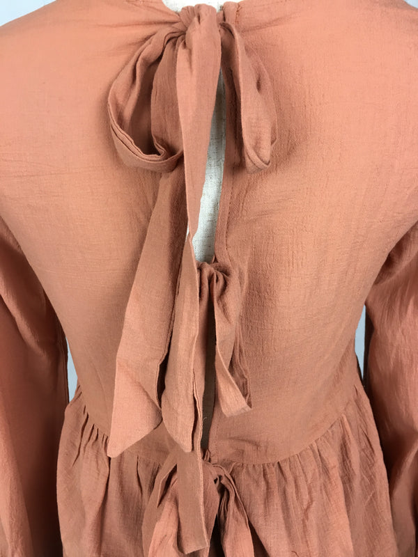 ANDREA FLOWY TOP (APRICOT)