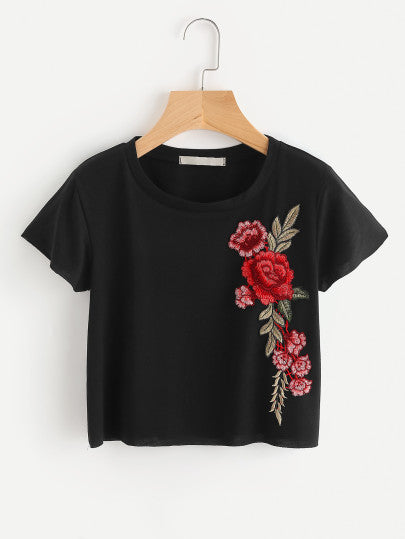 Embroidered Applique Crop Knit T-shirt