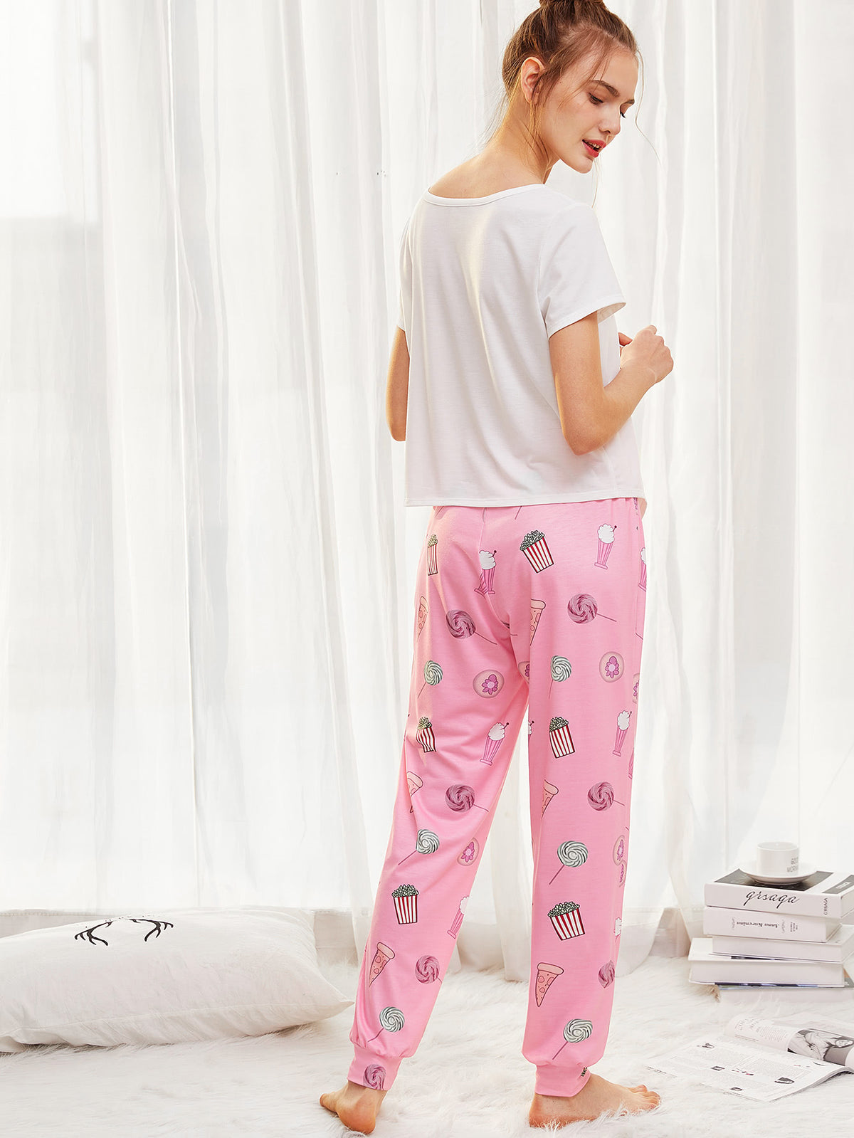 Letter Print Knot Hem Top & Sweatpants PJ Set