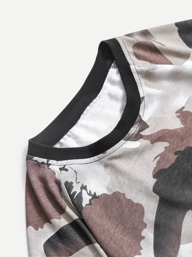 Men Patched Detail Camouflage T-shirt