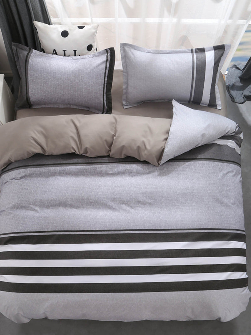 Contrast Striped Print Sheet Set