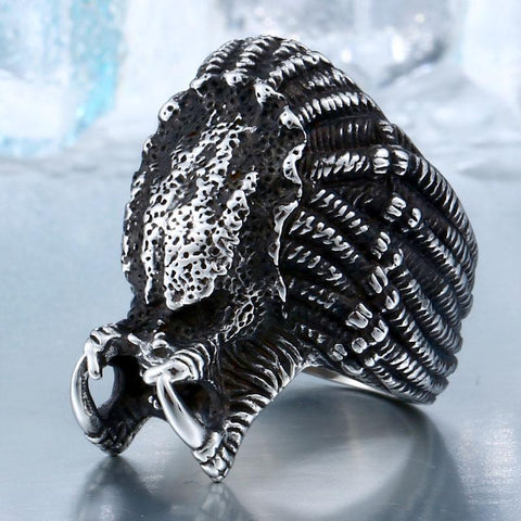 Alien Predator Ring
