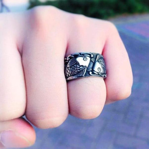 Retro Embossed Fish Ring