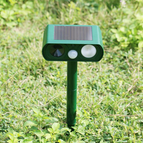 2016 Hot Solar Power Motion Activated Ultrasonic Cats Dogs Repeller Frighten Animal RC-510B For Outdoor Gardening Accessories