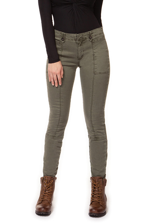Stay trendy and chic with the Sage Mid Rise Pant With Seam Detail.  These mid-rise pants feature a skinny leg cut, seam details on front and back, and cute patch like pockets.  The button details on the belt loop give these sage pants a fun, unique look.  Style with a camisole and cardigan for a casual outfit. Dex sage skinny pant.