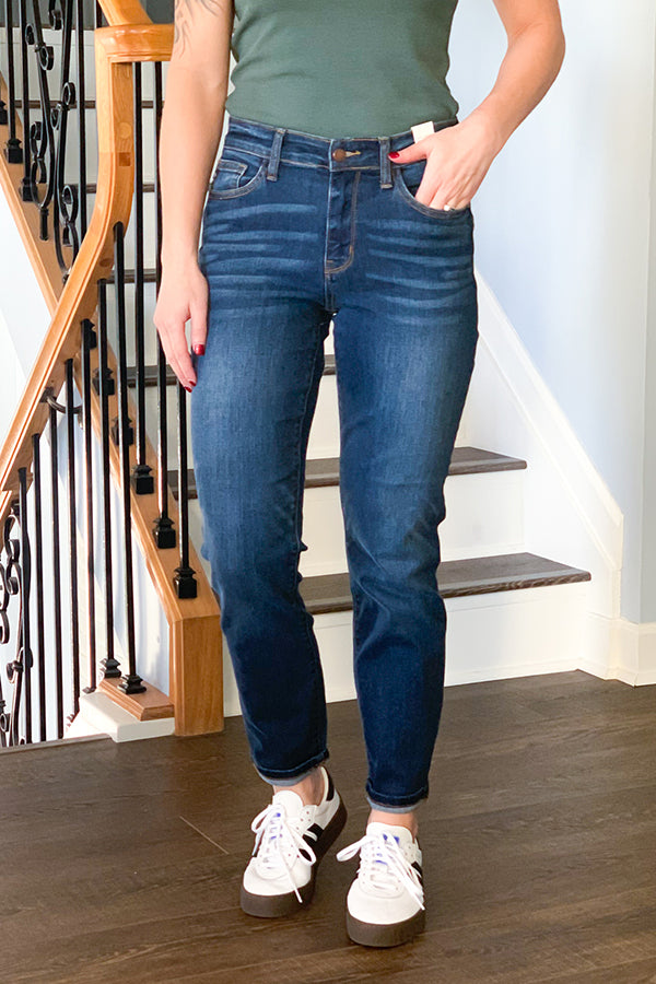 Feel comfy and stylish in our Judy Blue Mid Rise Cuffed Boyfriend Jeans!  Soft and stretchy, these Judy Blue's will not disappoint!  These boyfriend fit jeans are a dark wash denim featuring cuffed hems which can be uncuffed and classic 5-pocket detail.  These are a boyfriend fit which are made to fit loose.  Size down 1 to 2 sizes if you want a tighter fit. 82195REG