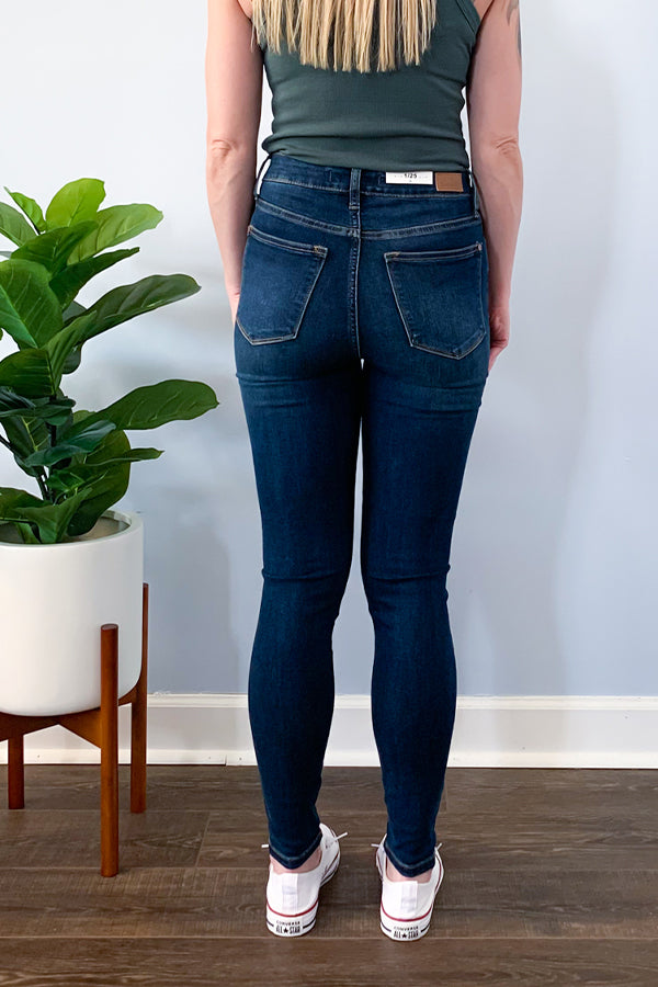 We're loving these stylish Judy Blue Front Seam High Waist Skinny Jeans.  Unique front seam on a classic dark wash skinny.  Perfect for dressing up or wearing casual.  Pair with a cute graphic tee and sneakers for casual outfit or dress up with heels and a balloon sleeve blouse.