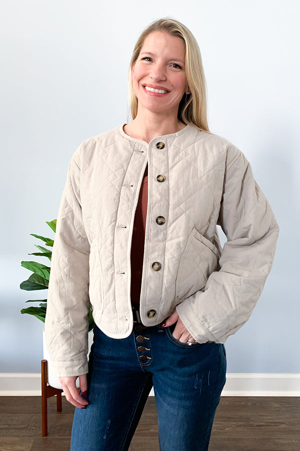 The perfect fall jacket that will go with almost anything! Our Grey Quilted Button Up Jacket features a neutral grey shade, quilted knit fabric, and functional buttons.  Wear buttoned or open, either way you'll feel cozy and cute! Oh,, and it has the cutest pockets ever!!