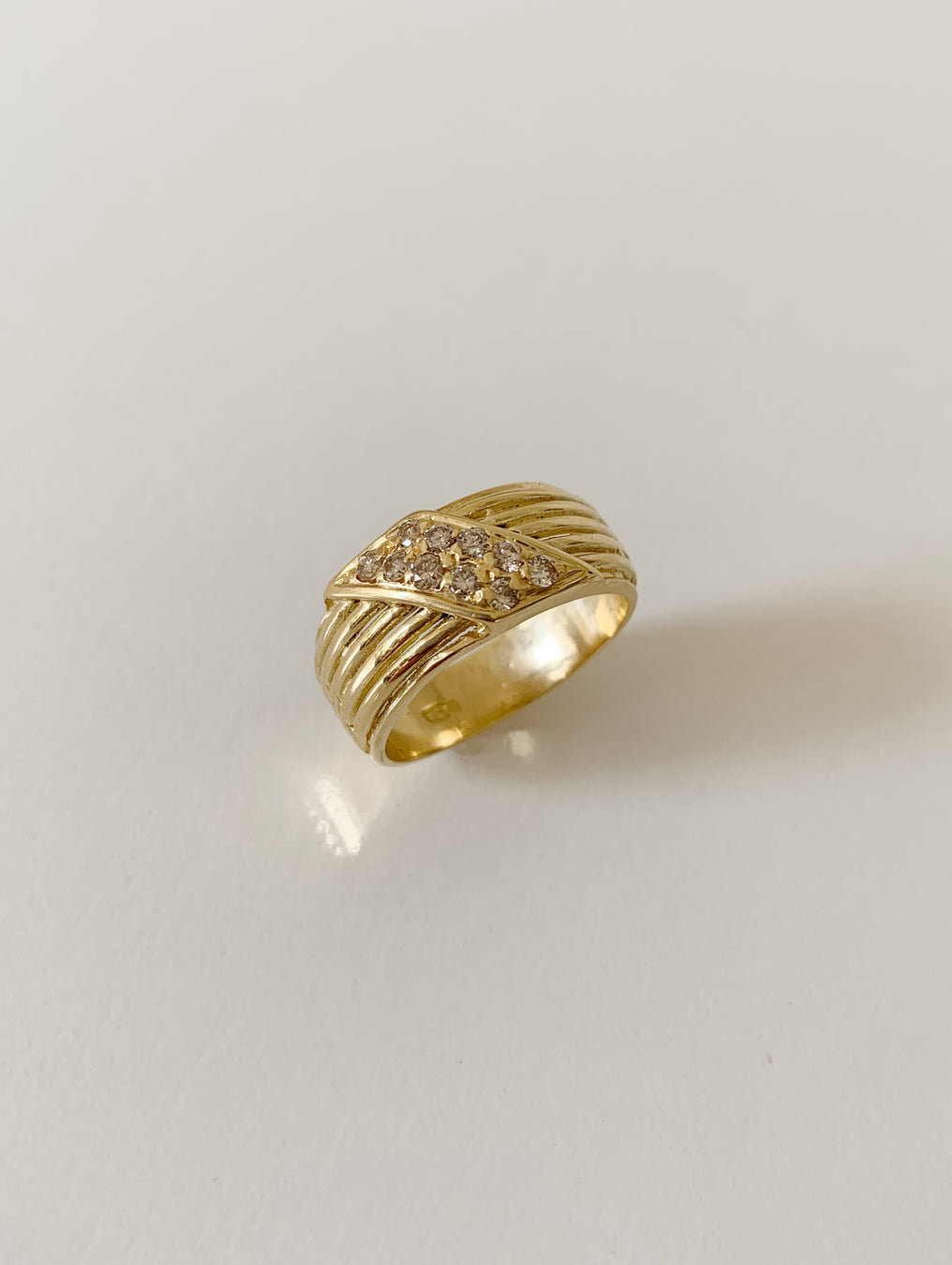 18k Stacked Ribbed Ring